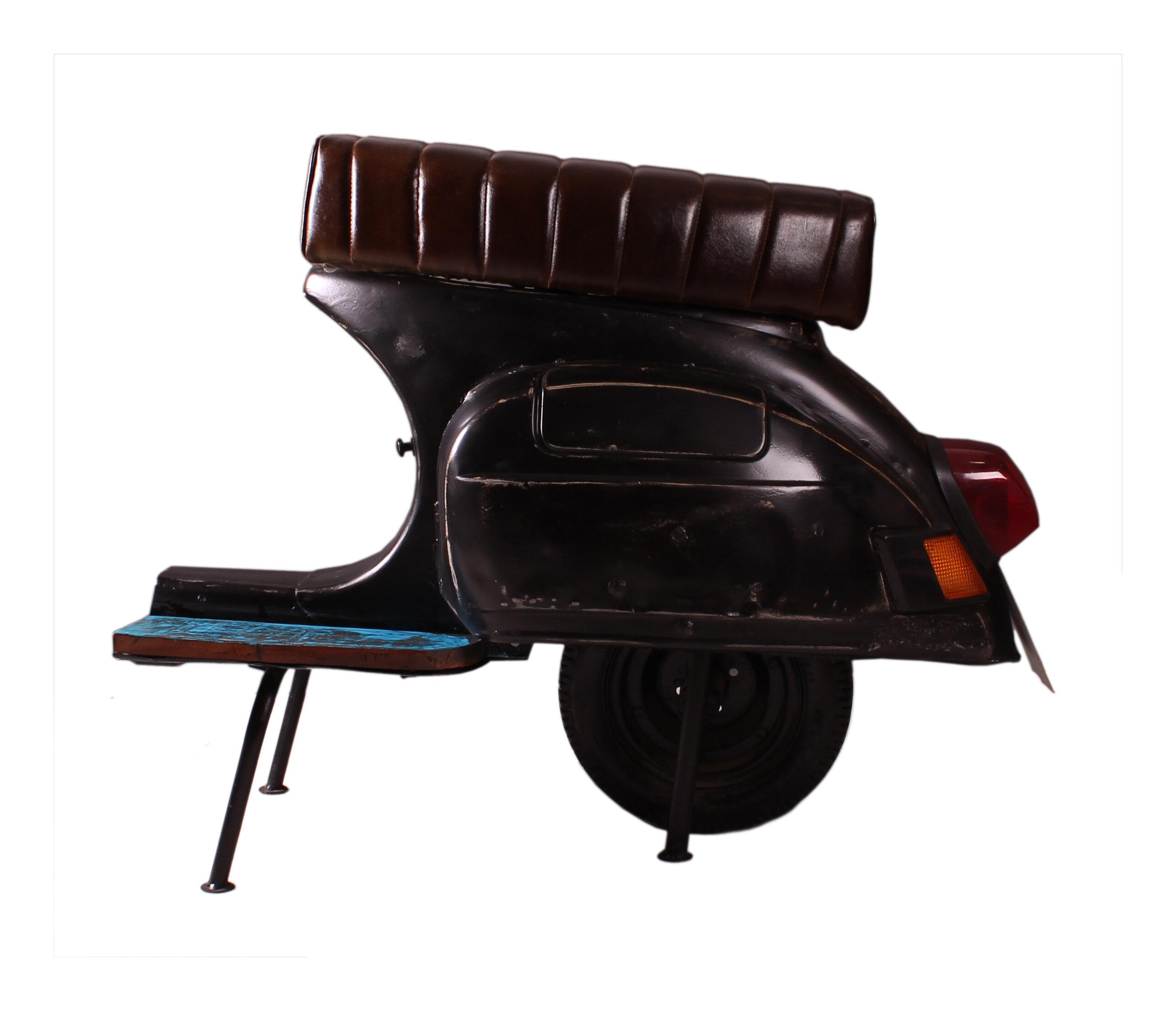 Op Design & Trends: Alles voor de inrichting van uw woning is alles over meubelen te vinden: waaronder meubelpartner en specifiek Artistiq Barkruk Scooter kleur zwart (Artistiq-Barkruk-Scooter-kleur-zwart32604)