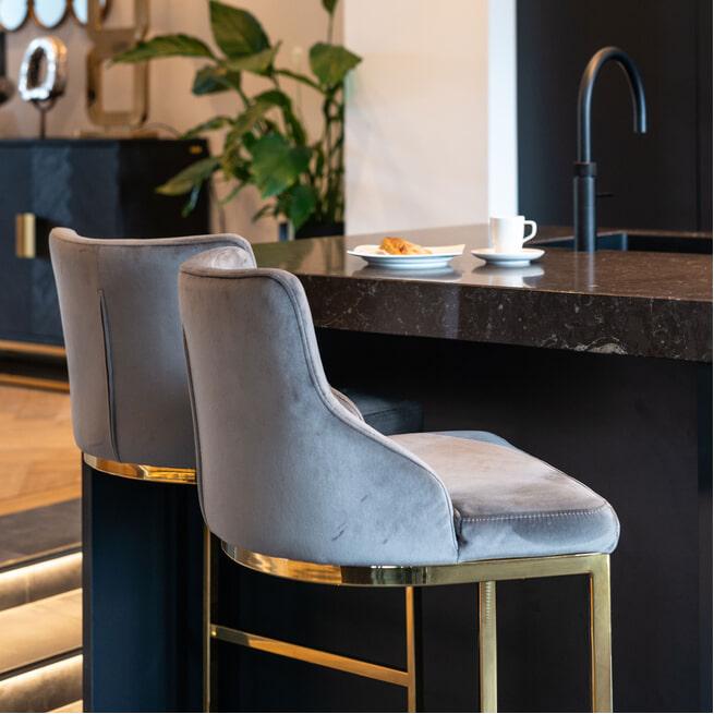 Richmond Barstoel 'Bolton' Velvet, kleur Stone / Zilver