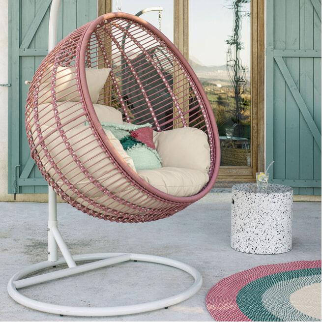 Kave Home Hangstoel 'Elianes' met standaard, kleur Roestbruin