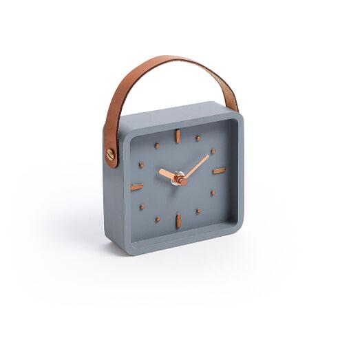 Kave Home Klok 'Pari' kleur Donkergrijs