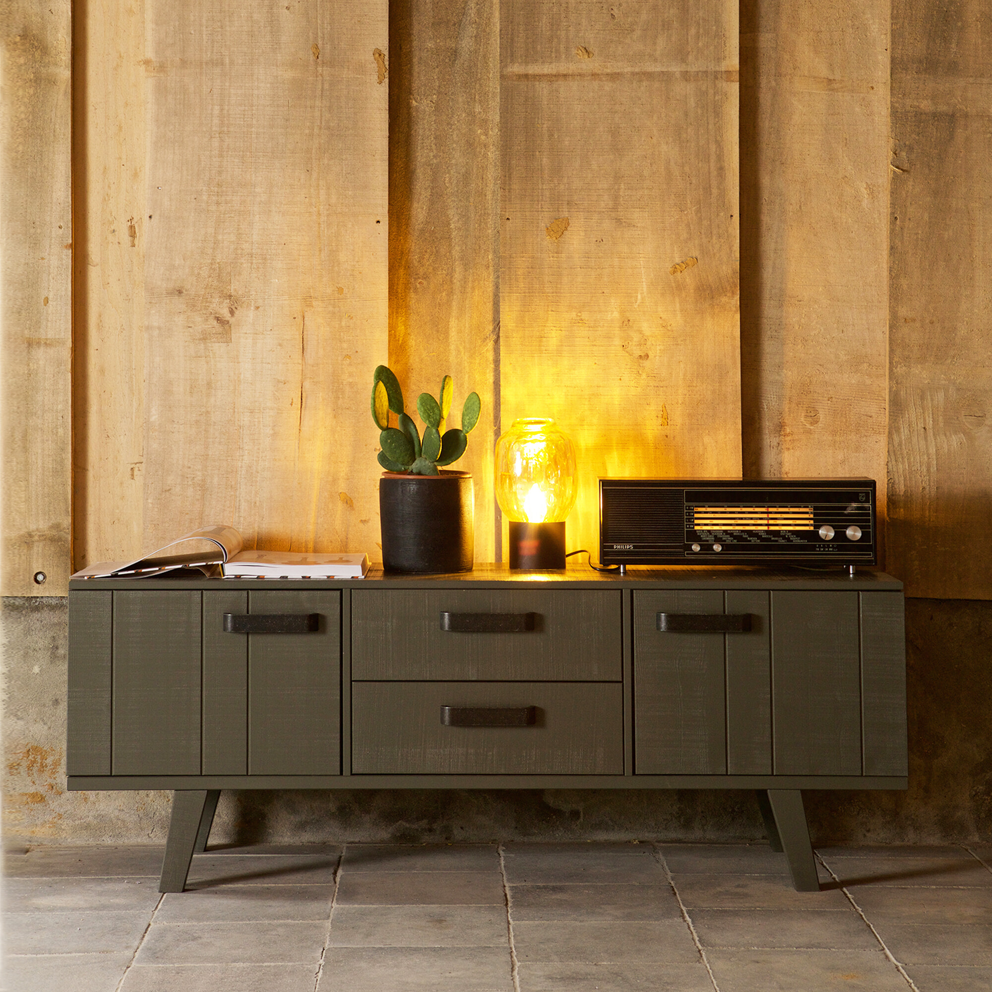 BePureHome TV-meubel 'Watch' 150cm, kleur Forest Green Massief Grofgezaagd grenenhout aanschaffen? Kijk hier!