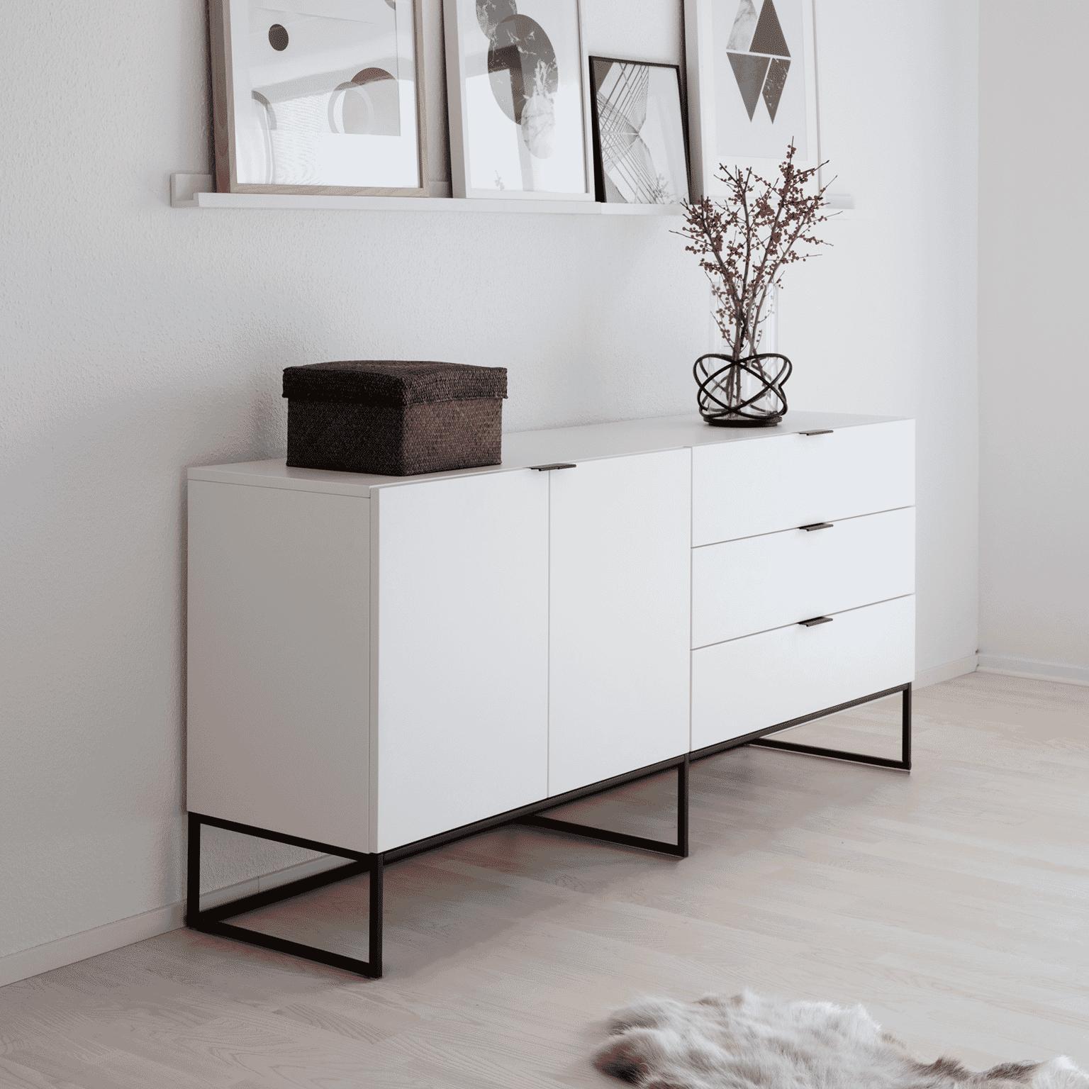 Interstil Dressoir 'Kobe' 180cm, kleur wit met voordeel snel in huis via Meubel Partner