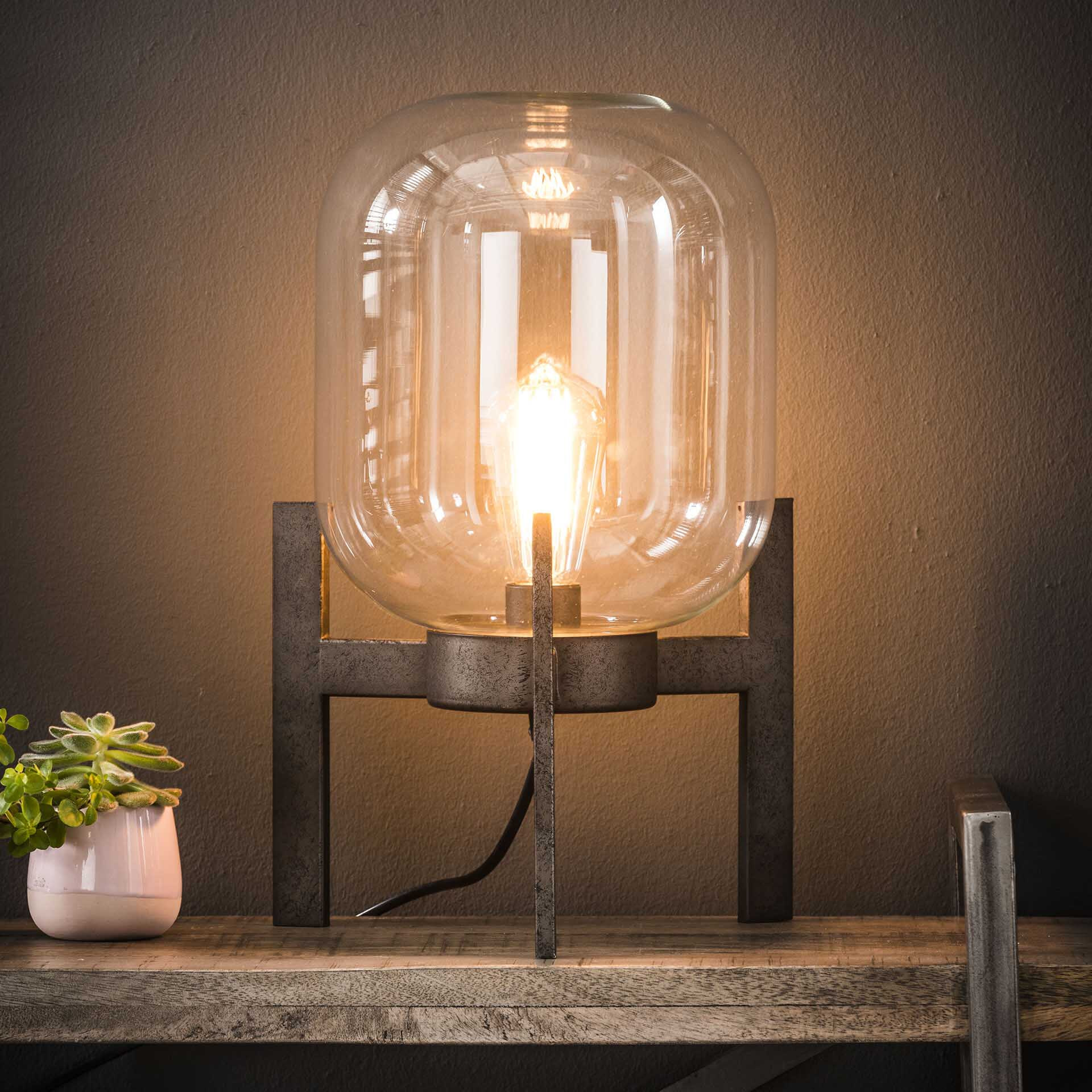 Tafellamp 'Jacki' met glazen kap en industri�le driepoot