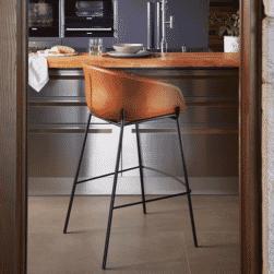 Kave Home Barkruk 'Yvette' (zithoogte 74cm), kleur Bruin
